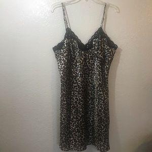 Ambrielle chemise Size 1X